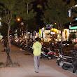 11 večer v meste Taichung, mopedy čakajú na svojich majiteľov do rána, pokiaľ neskončia n očnú smenu.JPG