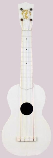 Fin-Der Mauna Loa Plastic Acoustic Soprano Ukulele (with origional strings)