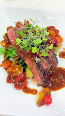 Whole Foods Pearl Brewery dinners, this one is with Hopworks Urban Brewery (HUB). This main course was an amazeballs griled flank steak with potatoes, aruglua and tomato tarragon dressing paired with Hopworks IPA