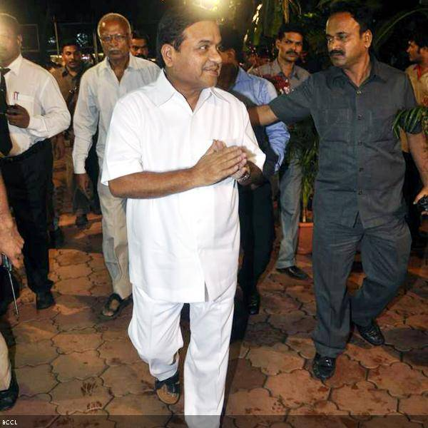 Politico R.R.Patil arrives at Ramesh and Seema Deo's 50th wedding anniversary, held at ISKCON, in Mumbai, on July 1, 2013. (Pic: Viral Bhayani)