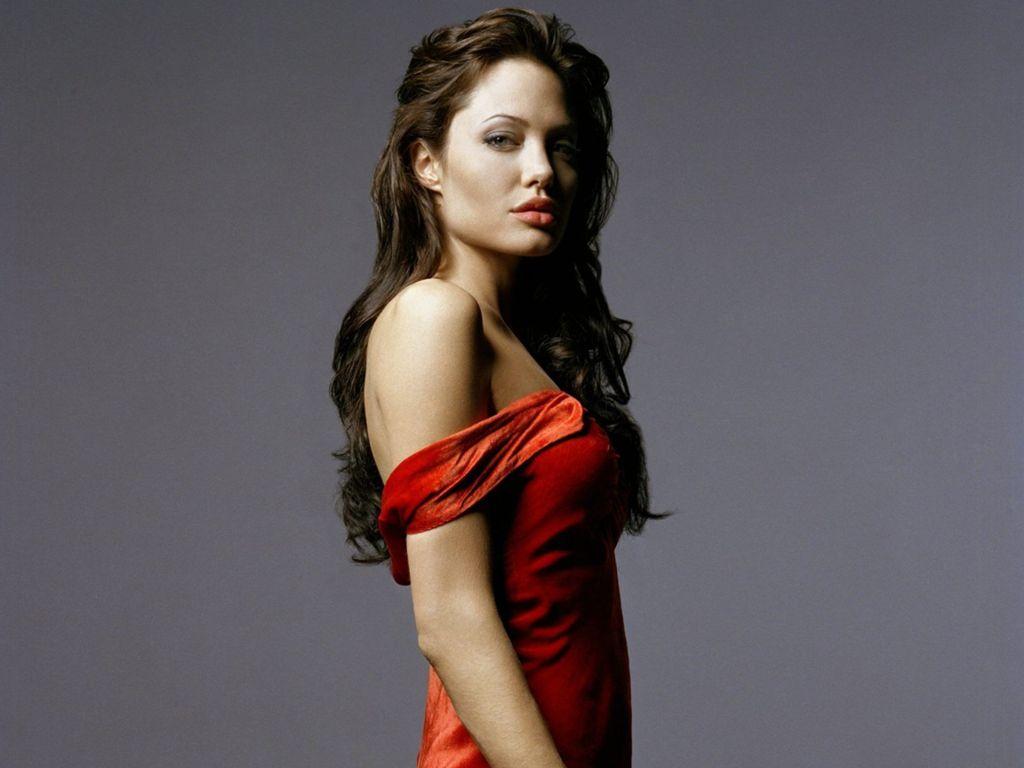 Angelina Jolie-221