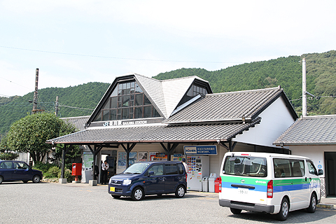 JR佐川駅 駅舎
