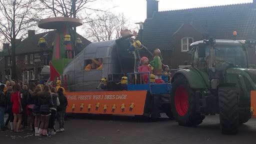 Carnavalsoptocht 2014 in Overloon foto Arno Wouters  (108).jpg