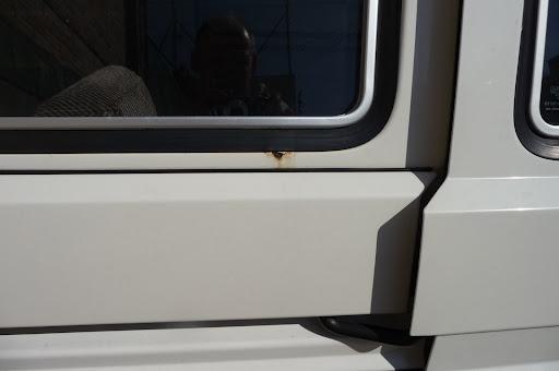 20x Clips Para AUDI SEAT VW Transporter T4 T5 gris claro panel guarnecido Forro de alfombra