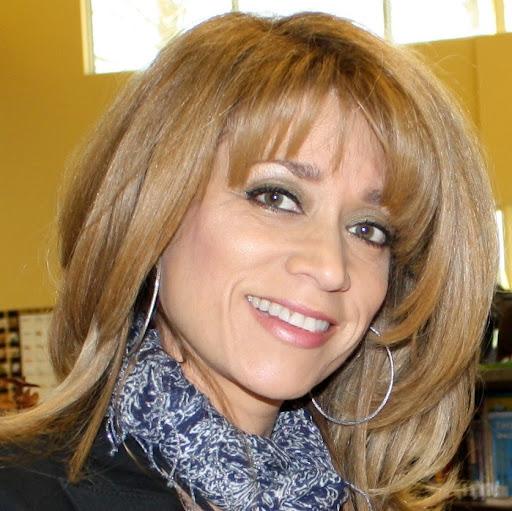 Maria Kahn Photo 12
