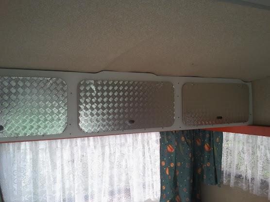 Anbau Von Regal Oberschrank Ablage über Seitenfenstern