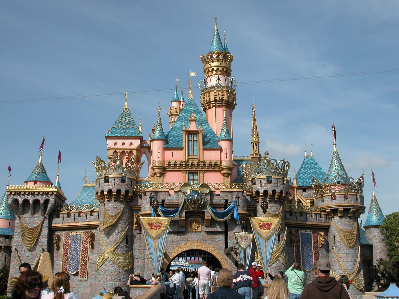 Disney Only Uses Two Princesses Castles They All Look A Little Diffe But Sleeping Beauty And Cinderella Are The In Parks