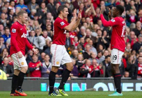 Con 2 goles del 'Chicharito' el Manchester venció al Braga en Old Trafford