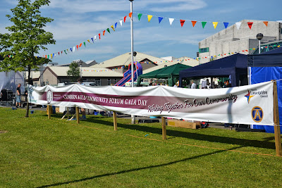 13-07-2013 - By Scott Campbell (+44) 0774 296 870 - Cumbernauld Gala Day, 2013, at Cumbernauld New Town Hall; Gala Day banner on North Carbrain Road, from right.