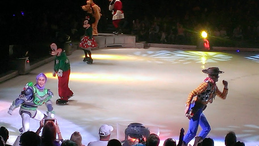 IMAG5109 Disney on Ice   Lets Celebrate {Review}
