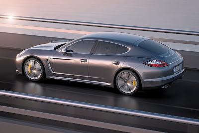 Porsche-Panamera_Turbo S_2012_1280x854_Rear_Angle_02