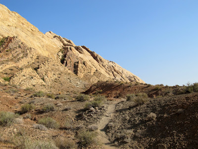 The beginning of my hike along the outside of the San Rafael Reef from Three Finger Canyon to Uneva Canyon