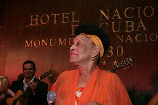 Cena por el X Aniversario del Grupo Excelencias, Salón 1930 Compay Segundo del Hotel Nacional. 10 de diciembre de 2008.