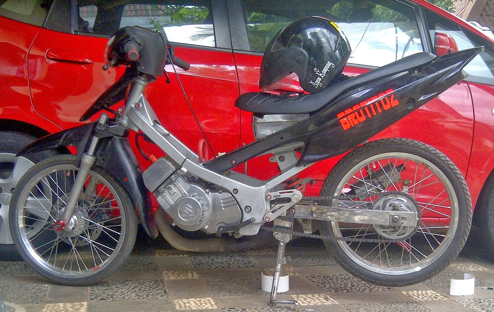 Modifikasi Motor Suzuki Satria Hiu