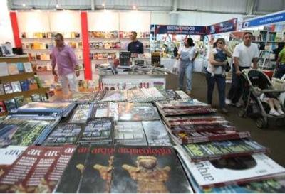 Inauguran Feria del libro FILGUA 2012