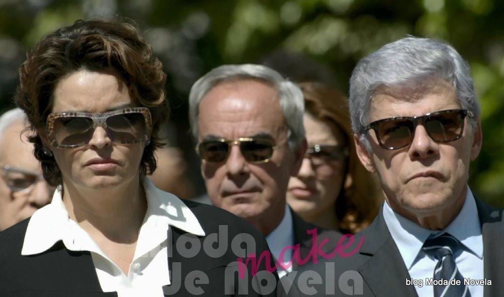 moda da novela Império, os óculos escuros de Beatriz, Cláudio e Merival no enterro do comendador José Alfredo