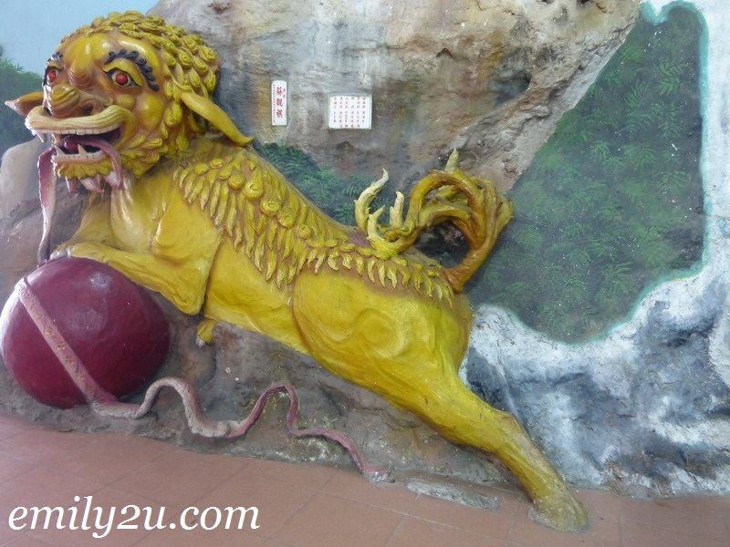 Nam Thean Tong cave temple
