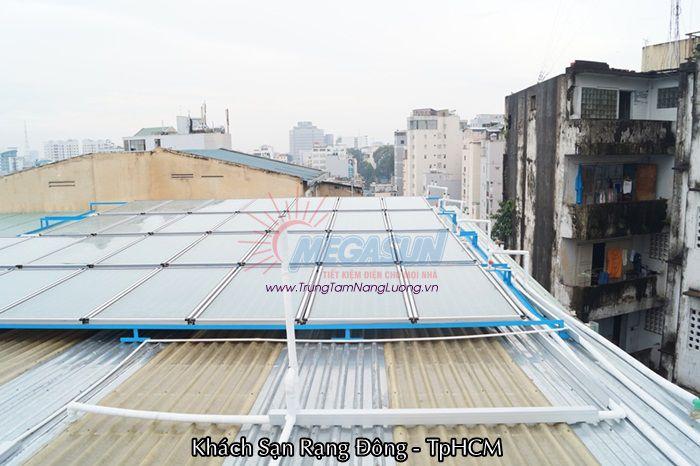 Công trình máy nước nóng năng lượng mặt trời tại KS Rạng Đông - TP. HCM