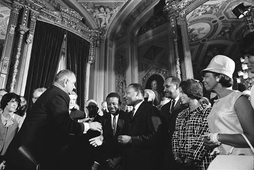 1965 金恩博士與詹森總統會面 (Voting Rights Act)