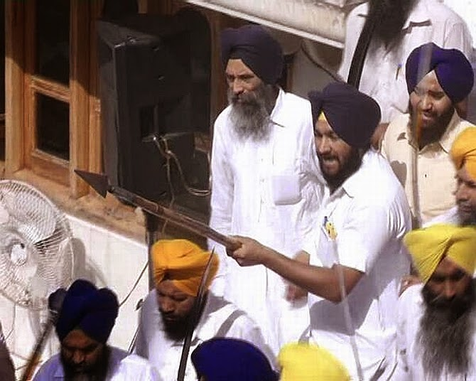 Golden Temple fight anniversary of Operation Blue Star swords akali dal