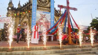 Giáo xứ Quân Triêm đón Thánh Giá Đại Hội Giới Trẻ