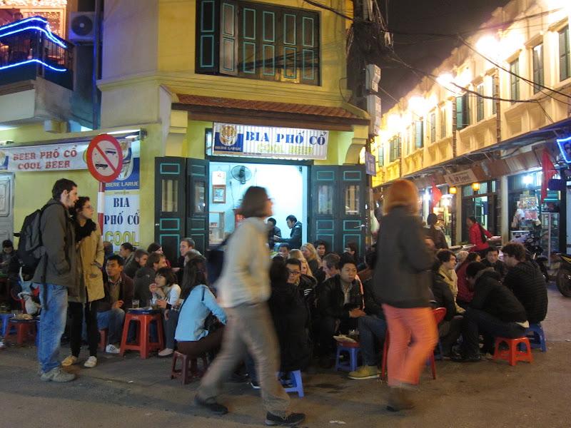Bia Hoi street corner