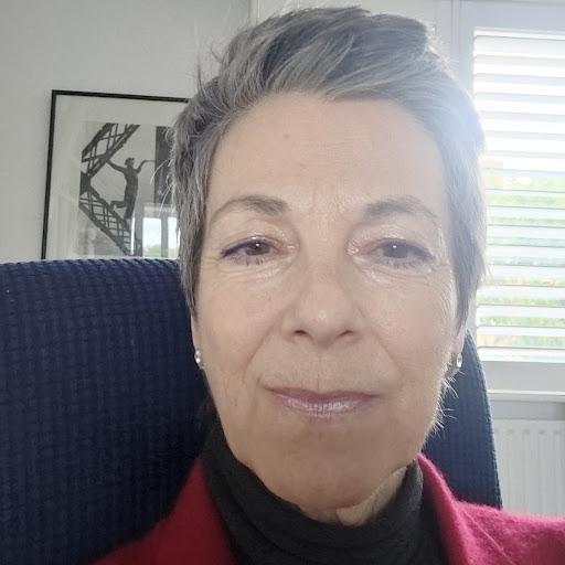 Meet our experts: Sally Davis