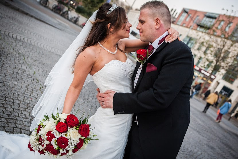 bristol-city-center-wedding-couple