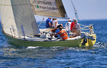 "J/29 ""yellow banana"" sailing upwind"