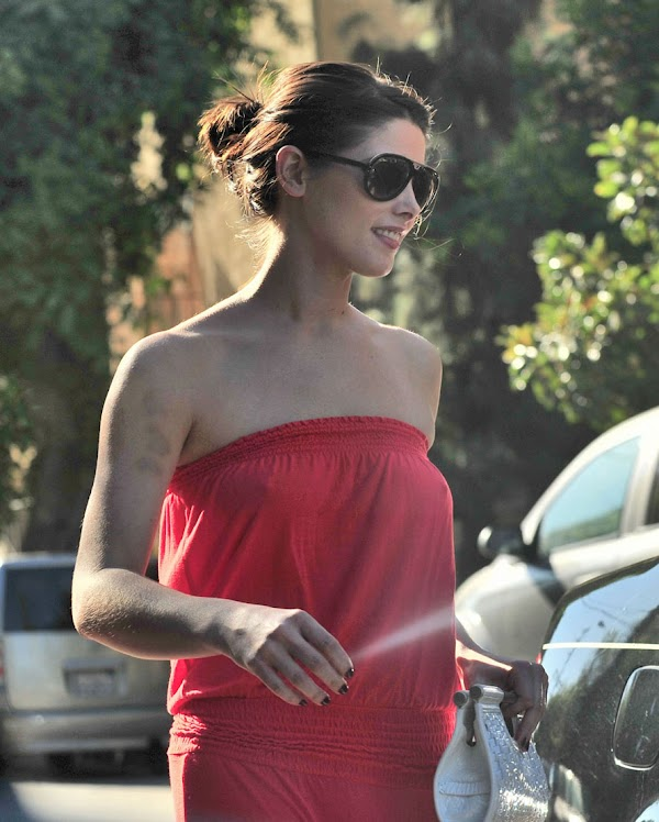 Ashley Greene Nipples  #nipple:celebrities,fun girls,nipple