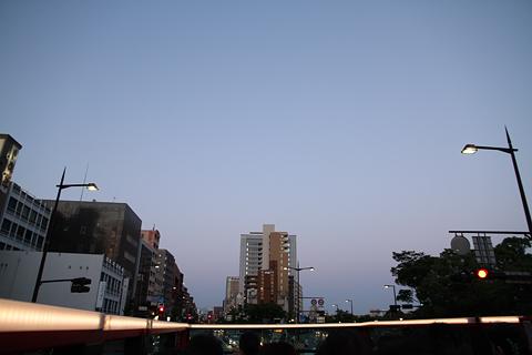西日本鉄道「福岡オープントップバス」 赤塗装 車窓 大濠公園前