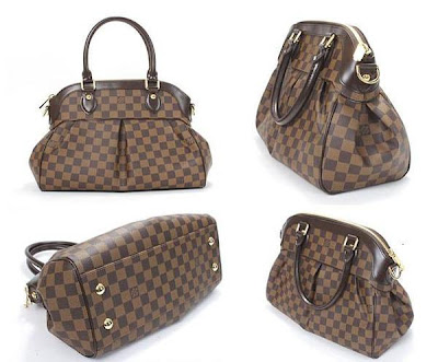 fb513f8587a7 LV Trevi PM   GM in Damier Ebene Gorgeous pleats in Damier canvas mark out  the Trevi PM as an ideal feminine bag. Aside from its arresting looks