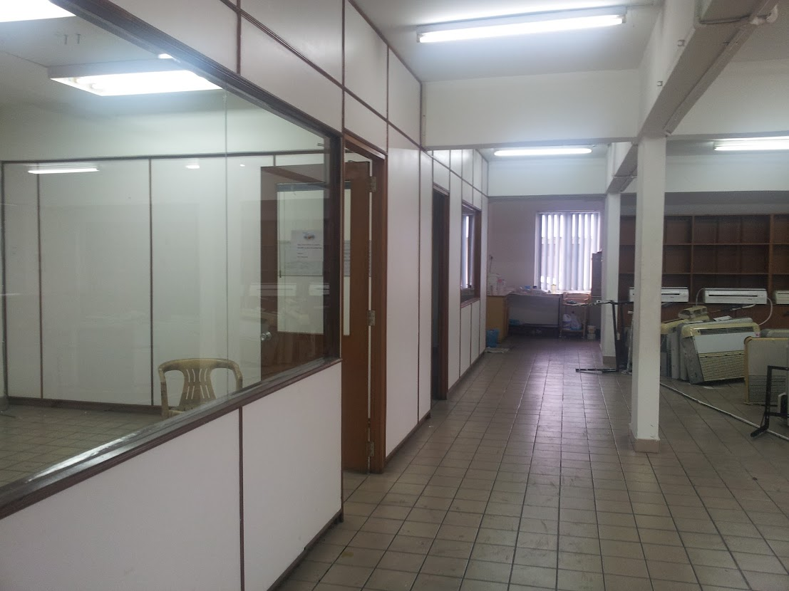 office room before renovation