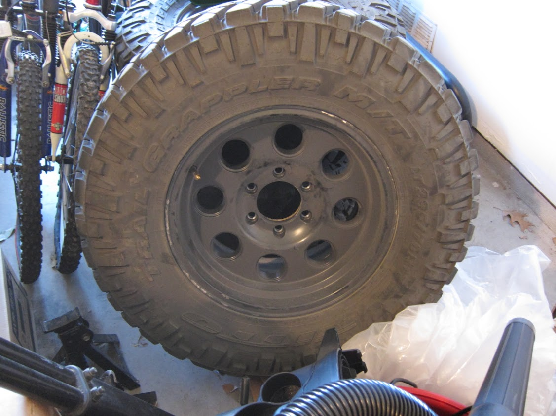 For Sale Five 5 Nitto Trail Grappler 295 70r17 Mb 72
