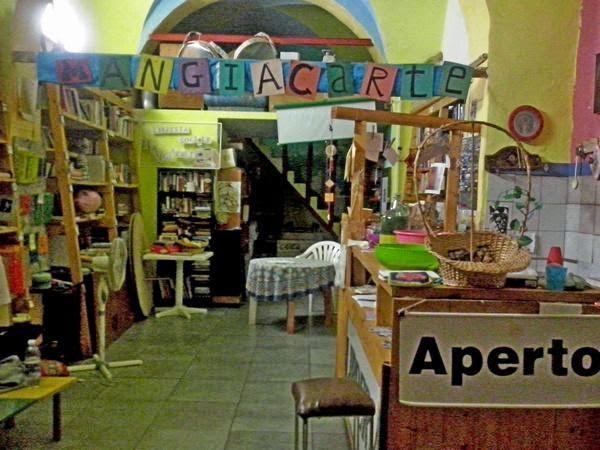 Libreria Mangiacarte chiude