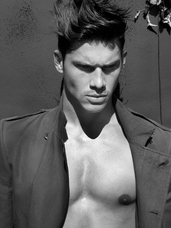 Zeb Ringle @ Nous/Soul by Tony Duran, 2012.