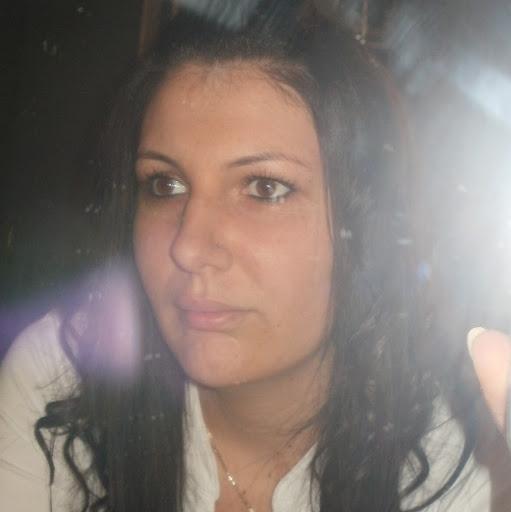 Anita Simon Photo 14