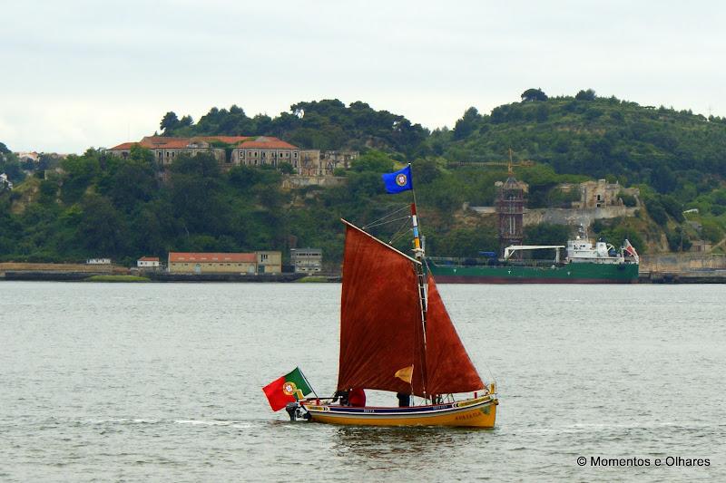 Barco no Rio Tejo