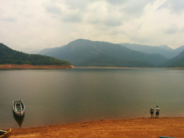 Staring at the beautiful Western Ghats from Karaiyar Dam