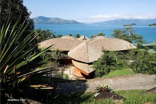 Leaf House 03 750x498 Kiến trúc nhà lá thú vị tại Brazil