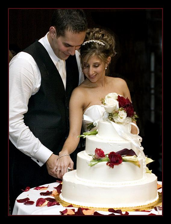 Origin Of Cake Cutting In Weddings