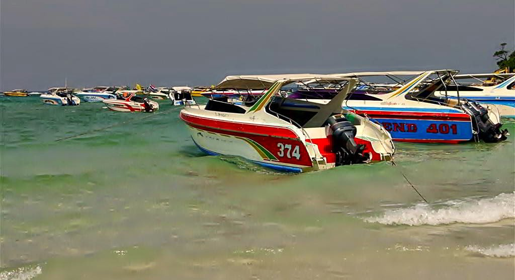 Boats on Tawaen Beach, koh Lahn Thailand