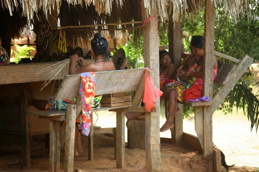 emberá mujeres
