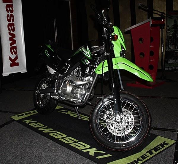 Kawasaki D-Tracker 150 hijau