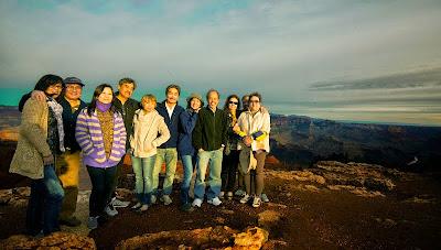 Ngắm cảnh hoàng hôn ở Grand Canyon