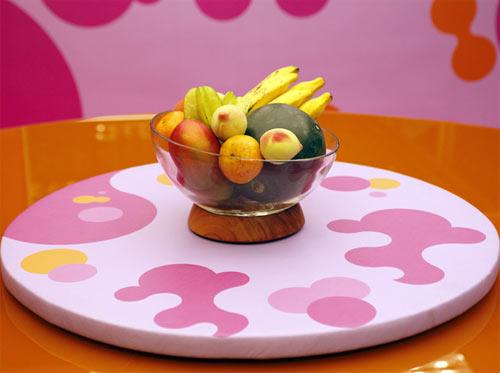 Mesa pink e laranja com tampo giratorio - decoracao BBB 12