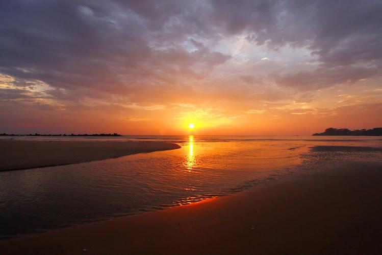 清石浜海水浴場(くよしはま)の朝日
