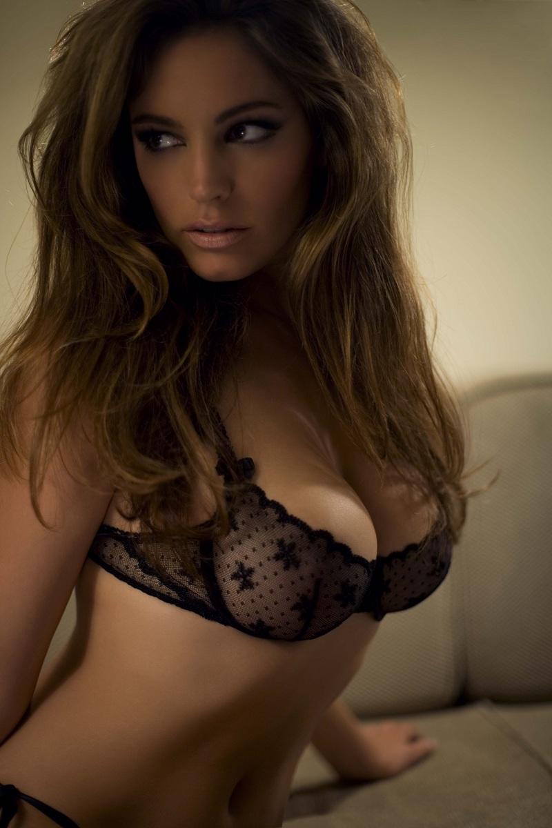 https://lh5.googleusercontent.com/-jyN2ciHS2B4/To1lTPM_oZI/AAAAAAAAAcY/fNMK8R1edtM/s1600/992711122_tduid2134_Kelly_Brook_hot_lingerie_pics_hotcelebrityshots_blogspot_com3_122_374lo.jpg