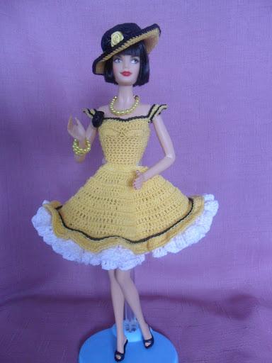 فساتين للعروسة باربي الكروشية طريقة ملابس لعرائس الاطفال SAM_0284.JPG