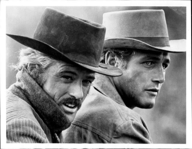 8ebe4e49527a6 ... son los sombreros para ellos. En la década de los 40 y los 50 era una  prenda imprescindible en el vestuario masculino y no se podía estar más  atractivo ...